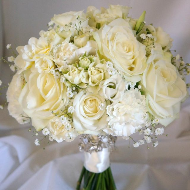 greenroomflowers whitewedding flowers flowersofinstagram flowerstagram flowerlove weddingflowers weddingbouquet bride bridetobehellip