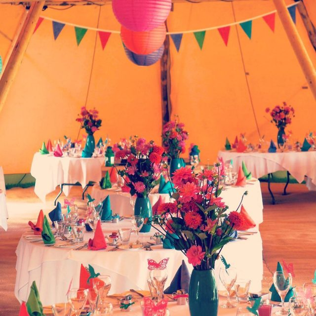 teepee teepeewedding wedding greenroomflowers dahlia colourful
