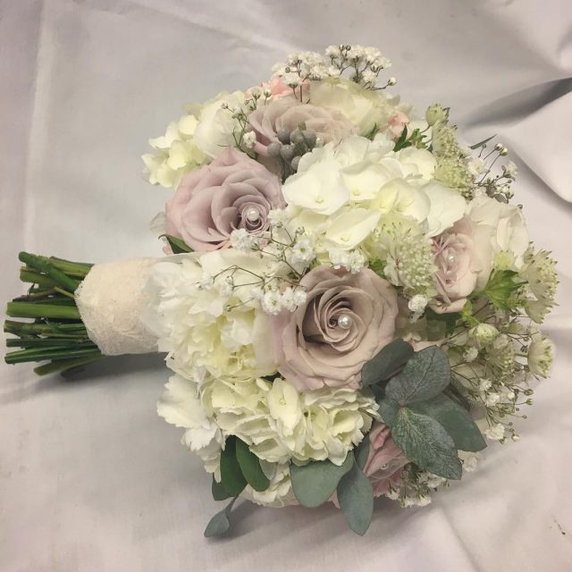 Todays beauty bride bridalbouquet bridalflorals roses greenroomflowers weddingfloristnorthampton northamptonshirewedding northamptonhellip