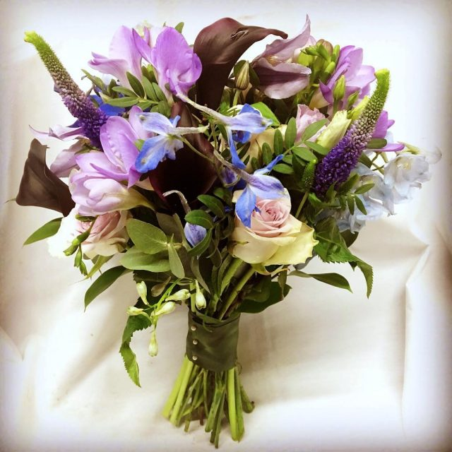 greenroomflowers wedding weddingideas weddinginspiration weddingsofinstagram bride bridalflowers bridalbouquet blueflowers lilacflowershellip